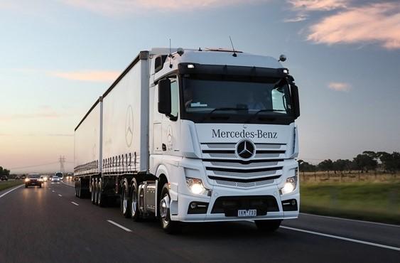 Mercedes Benz Actros 2653